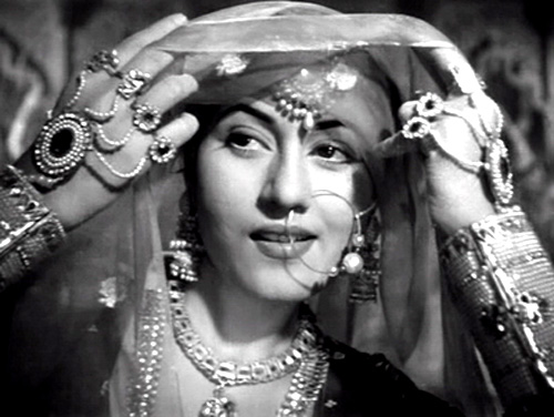 It was Madhubala on whom Lata Mangeshkar's Ayega Aanewala was picturised in the movie Mahal.