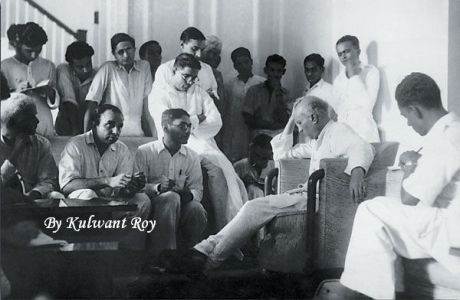 Jawaharlal Nehru addresses the press in Delhi in 1947, shortly before Independence