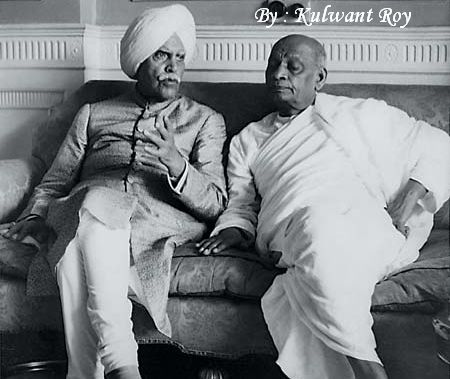 Sardar Patel and the Maharaja of Patiala confer during a meeting of the Phulkian Union, an umbrella body of princely states, in Patiala, shortly after Independence