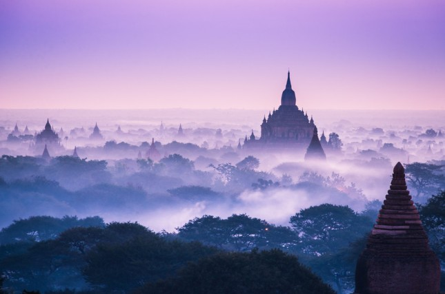 29-Photos-That-Will-Inspire-You-To-Travel-Amazing-Bagan-Clouds